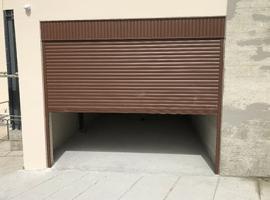 Roll garage doors